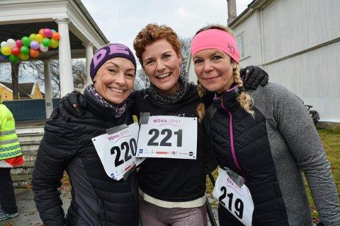 GLAD TRIO: Elin Nordgård (t.v.), Barbro Paulsen Aamodt og Monica Hotvedt løp Monaløpet etter initiativ fra Barbro, som selv har hatt kreft.