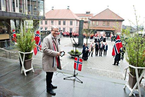NASJONALDAGEN:  Just Salvesen (Sp) fortsetter som leder av 17. maikomiteen i Kongsberg. Dette bildet er fra 2017.