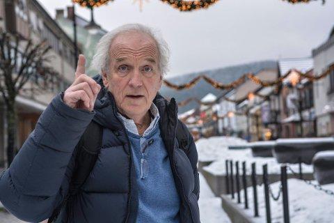 RABULIST: Morten M. tegner har bosatt seg i Kongsberg. Han ser tilbake på et rikt liv i norsk presse.