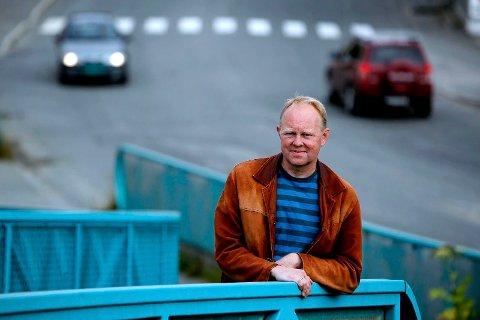 FORFATTEREN: Henning Howlid Wærp er ute med sin første krimroman.