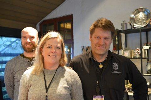 ARRANGØRER: Trioen Kristian Becker, Janne Werner Olsrud og Morten Øvereng på Norsk Bergverksmuseum håper på fullt hus under julemarkedet lørdag 7. desember.