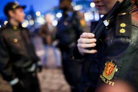 UNNGÅ GRØFTEFYLLA: Politiet oppfordrer folk til å passe på hverandre og unngå å havne i trøbbel.