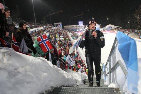 Daniel-André Tande har knesmerter og hopper ikke i Lahti søndag.
