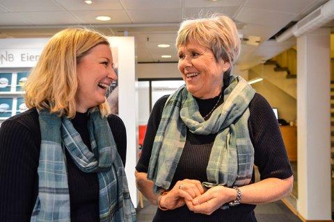 SJEFSSKIFTE: Therese Askeland (t.v.) er ny banksjef i DnB Øvre Buskerud (Kongsbeg og Hønefoss). Marit Norendal fortseter i annen stilling.