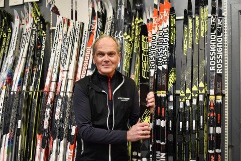 VM-TUR: Tor Engløk er en ivrig langrennsløper og er spesielt glad i lange turrenn. Økningen i antall skisalg for Rossignol sender Intersport-medarbeideren til ski-VM i Seefeld.