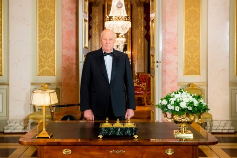 KONGEN KOMMER:  Kong Harald kommer til Kongsberg på tirsdag.
