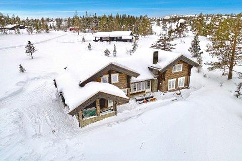 SOLGT: Denne hytta på Blefjell ble solgt over prisantydning til 6,9 millioner kroner.
