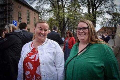 MOR OG DATTER: Irene Thorberg og datteren Connie Thorberg går aldri glipp av 1. mai-markeringen. Barnebarnet ville ikke stille på bildet.