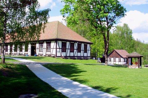 KULTURINSTITUSJON: Blaafarveværket starter årets sesong 11. mai og byr blant annet på verker fra en Kongsberg-kunstner.