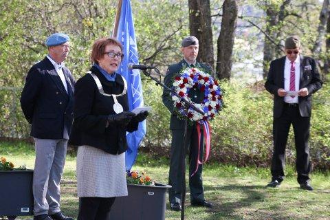 PLAN: Kari Anne Sand under markering av Veterandagen og Frigjøringsdagen i Kongsberg 8. mai 2019. Hun vil lage en kommunal plan for kommunens forhold til veteraner fra internasjonale operasjoner.