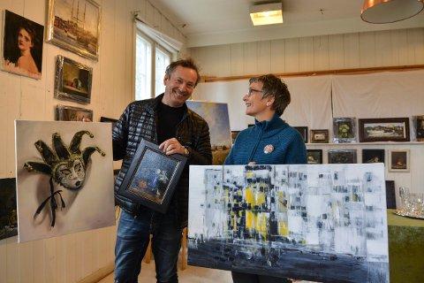 FELLES UTSTILLING: Elin Vogler Berg og Roger Eiklid Kristoffersen stiller ut i Landstads gate 4 på Tislegård mandag, tirsdag og onsdag neste uke.