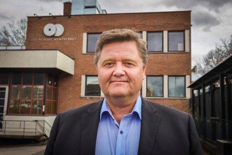 Ståle Løkken, administrerende direktør hos De norske Myntverket, er kritisk til det nye lovforslaget som fjerner Norges Banks oppdrag om å lage minnemynt.