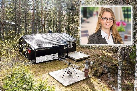 Mandag lå det 31 hytter ute til salgs for under millionen. Monica Bakken hos Aktiv Kongsberg er megler for denne hytta på Meheia.