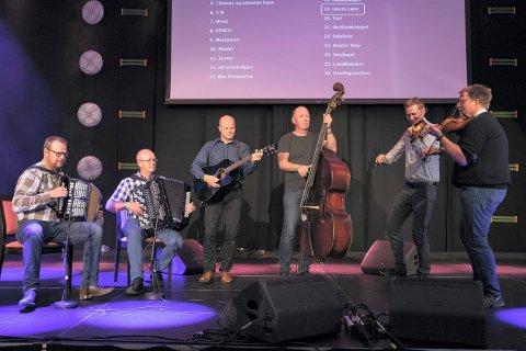 HÆRTA LØINT: Musikere fra Sandsvær deltok på landsfestivalen.