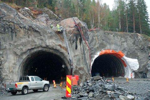 2018 ble et vanskelig år for Implenia Norge AS, som bygger den ene av de tre delene på nye E134. Underskuddet ble på over en halv milliard i fjor.