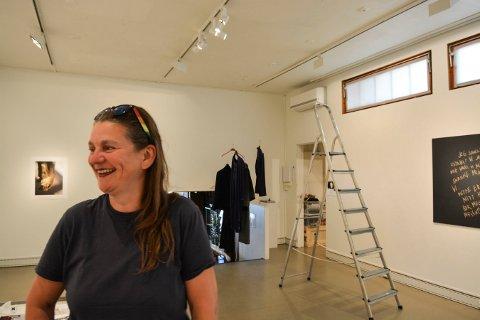 VARIERT: Linn Cecilie Ulvin åpner utstillin i Kongsberg kunstforening førstkommende lørdag.