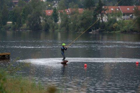 Lasse Steffensen var blant de første som kunne teste ut den nye Lågen kabelpark onsdag ettermiddag.