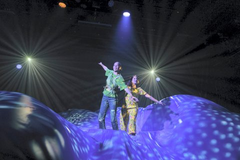 KJENT SCENE: Peter Pan og Wendy flyr.