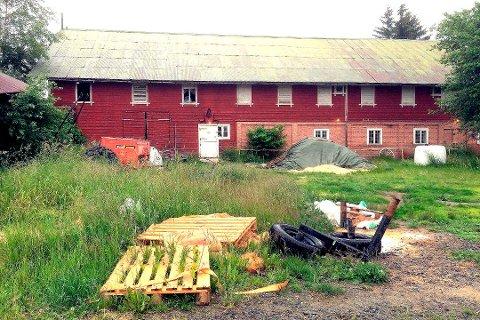 Rud gård er solgt, men det er foreløpig ikke kjent hvem som er kjøperen. Det kommer fram først i konsesjonssøknaden til Kongsberg kommune.
