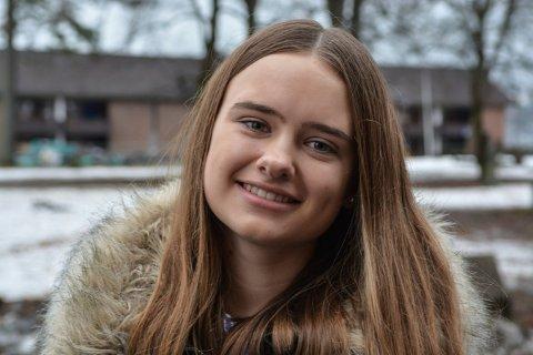 MILJØBEVISST: Hanna Linnéa Lindtvedt (16) har startet opp Kongsberg Unge Venstre. Hun vil legge opp til flere temakvelder framover.