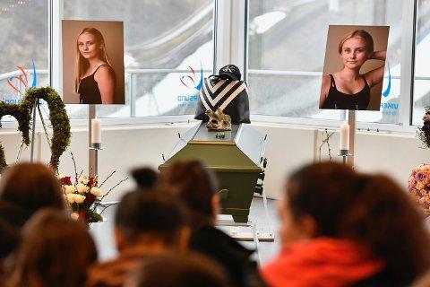 SISTE FARVEL: Fredag ble det holdt minnestund for Jennie Mayer Borgersen i Skiflygingskroa i Vikersund Hoppsenter.