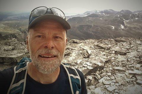 FORSKER: Bjørn P. Kaltenborn, seniorforsker ved NINA, mener hytteutviklingen i fjellet langt i fra er bærekraftig. Og mener mange hyttekommuner dytter både folkehelse og grønn bærekraft foran seg.