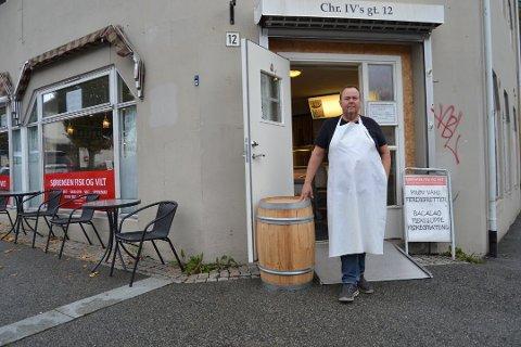 Gir seg: Eier og driver av fiskebutikken Sørensen Fisk og Vilt, Arild Sørensen, har lagt butikken ut for salg.