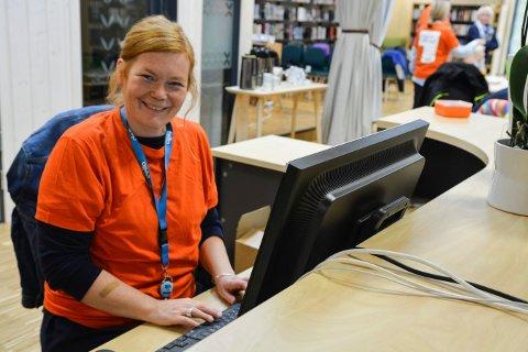 SLUTTER: Biblioteksjef Anneline Mjøseng har sagt opp jobben. Her fotografert under et arrangement i 2019.