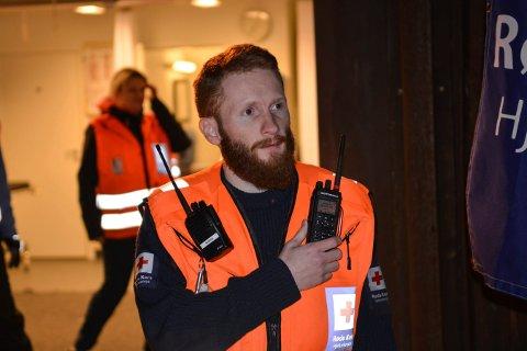 – IKKE STOL KUN PÅ MOBIL: Tommy Langen er operativ leder i Kongsberg Røde Kors Hjelpekorps. Han oppfordrer folk til å lære seg kart og kompass. Bildet er tatt i 2019.