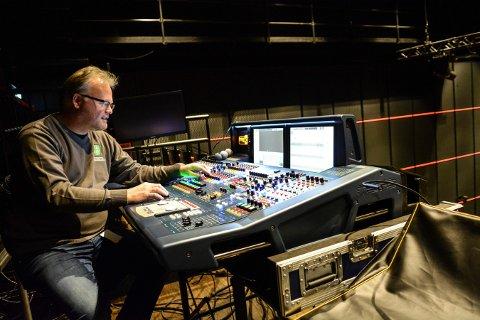 Optimist: Per Gustavsen, daglig leder for Kongsberg Musikkteater, legger ikke skul på at det har vært et krevende år å drive et musikkteater. Men nå ser han lys i tunellen og håper de planlagte forestillingene som er satt opp etter 14. april kan gå sin gang.