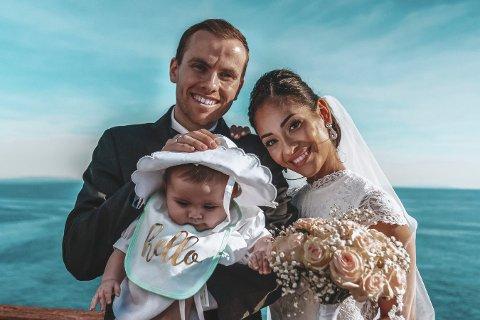 HELE FAMILIEN: Ekteparet Just Andreas Groven Salvesen og Elizabeth Groven Salvesen samt datteren Louise Amelia bruker tid daglig på Tik Tok.