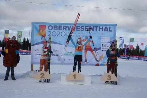 LA GRUNNLAGET PÅ HEISTADMOEN: Helene Marie Fossesholm er endelig verdensmester individuelt som junior. Mye trening har skjedd på Kongsberg for jenta fra Vestfossen.  ALLE FOTO: ERIK BORG