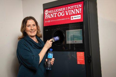 VIKTIG: Randi Haavik Varberg i Infinitum som drifter panteordningen i Norge, mener at panting av tomgods er viktigere en noen sinne.