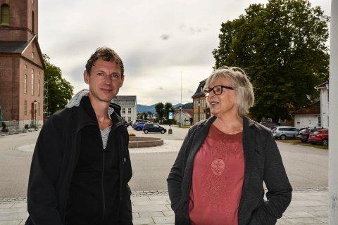 GLEDER SEG: Matthias Anger og Ragnhild Håkonsen håper å se mange på Kirketoget under fredskonserten 21. september.