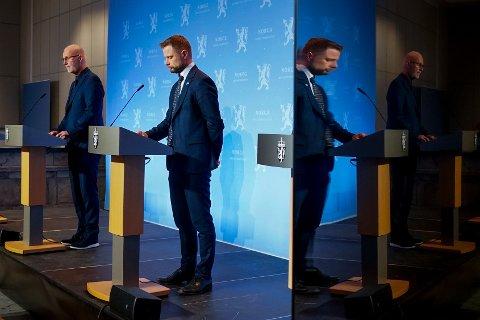 PRESSEKONFERANSE: Helsedirektør Bjørn Guldvog og helse- og omsorgsminister Bent Høie under en pressekonferanse om nye tiltak i Oslo-regionen i forbindelse med utbruddet av den britiske muterte varianten av koronaviruset i Nordre Follo.