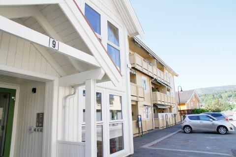 SIKRERE: Peckelsgate 9 får ettermontert sprinkelanlegg. Bygget huser flere omsorgsboliger og for beboerne kan et slikt anlegg være avgjørende for brannsikkerheten.