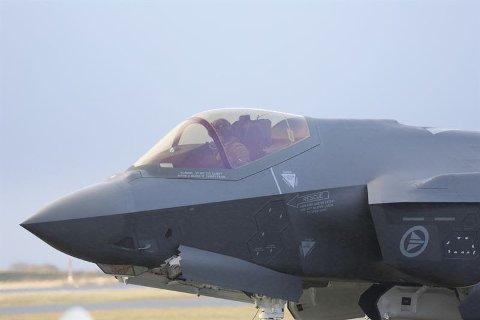 STORKONTRAKT: Kongsberg Gruppen skal deler til F-35.