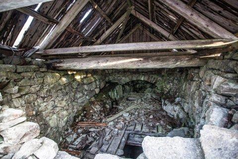 FORFALL: Bildene av forfalne gruveminner har dukket opp fra tid til annen de siste årene. Bildet er fra 2019 og viser kahuset over Kongens gruve. Gruven er nesten litt over en kilometer dyp.