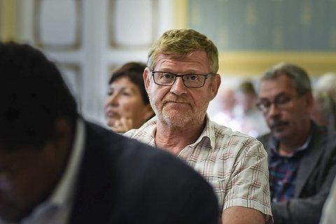 Funderte: – Har Frp vedtatt et forbud mot å se på nyheter, spurte Arbeiderpartiets Knut Røssum. Og fikk for så vidt svar på det. FOTO: PÅL A. NÆSS