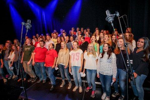 Lier Ten Sing feiret 30-årsjubileum med konsert på Lier kulturscene 19. september 2015.