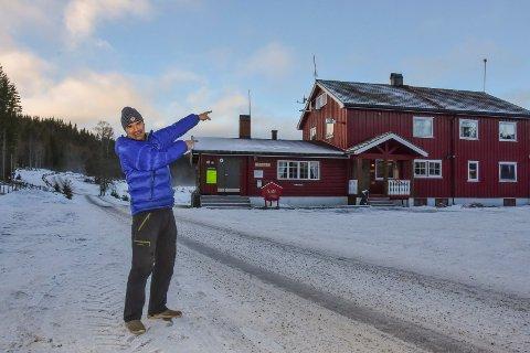 LOVER LIV: Med nye midler skal det bli mer aktivitet rundt Eiksetra, lover Simon Torgersen fra DNT.