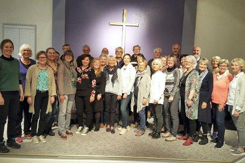 MÅ AVLYSE: På grunn av et sykkeluhell kan ikke dirigenten gjennomføre kveldens planlangte konsert i Lierskogen kirke.