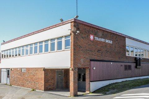 TAR GREP: Kommuneledelsen har fått så mange innspill knyttet til utfordrende arbeidsmiljø på Tranby skole, at det iverksettes en ekstern arbeidsmiljøundersøkelse. FOTO: BENEDIKTE HÅKONSEN