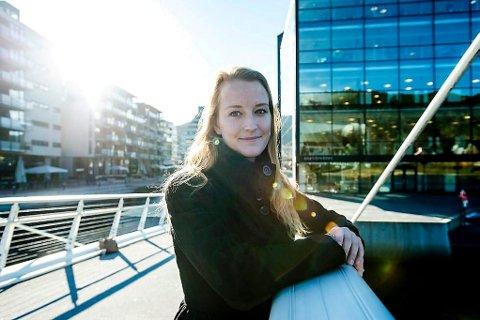 TAKKER AV: Sandra Bruflot melder flytting til Hole, og gir seg som kommunepolitiker i Lier. – Det er egentlig ganske trist, sier en av Liers mest populære politikere. Foto: Lasse Hennum Hansen