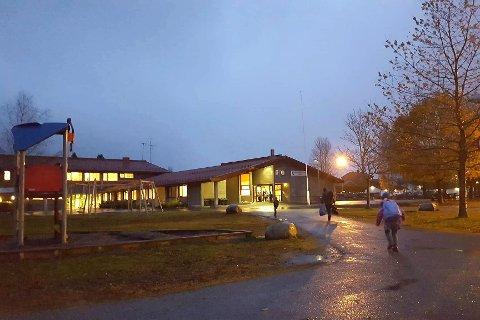 Stengt: Hennummarka skole holdes stengt mandag på grunn av at en ansatt har fått påvist korona.