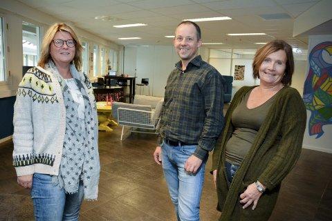 DROP-IN HVER MANDAG: Kontorkonsulent Chate Flaten (t.v.), sosionom Espen Havig Solnørdal og barnevernspedagog Greta Johansen hos Psykisk helse og rus.