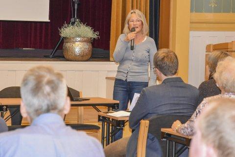 Ønsker handling: Janicke Karin Solheim (MDG) tok ordet og holdt et innlegg under dialogmøtet om Damtjern som oppfordret til handling og konkrete tiltak.