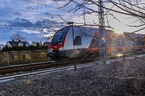 KAOS: Fra i dag er Lieråstunnelen stengt. Det er forventet store forsinkelser og tidvis kaos når rushtrafikken starter mandag morgen.