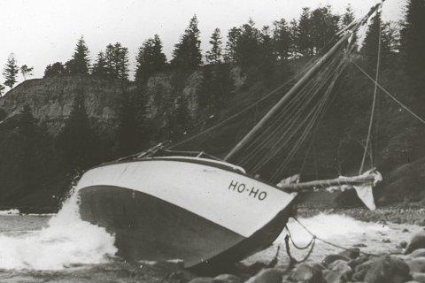 Havariet: Her ligger Ho-Ho i fjæra ved Norfolk-øya.