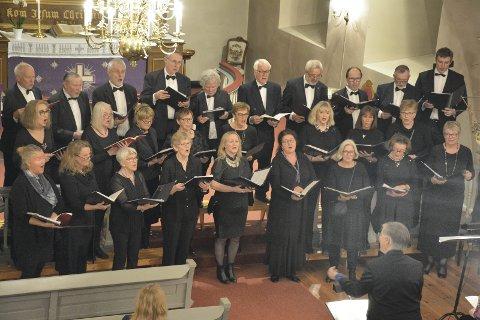 GLORIA: En gloriøs fremførelse av Vivaldis korverk med Lier Kammerkor og Nordlændingernes Forenings Kor, under ledelse av Rolf Nykmark, i Frogner kirke lørdag.